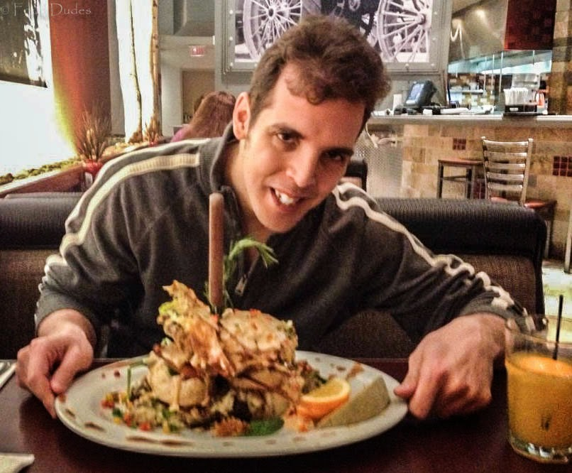 Food dude v man v food at hash house a go go reviews grub behold andys sage fried chicken farm benedict and as you can see there was initial excitement this thing was bigger than my head and had everything i forumfinder Gallery